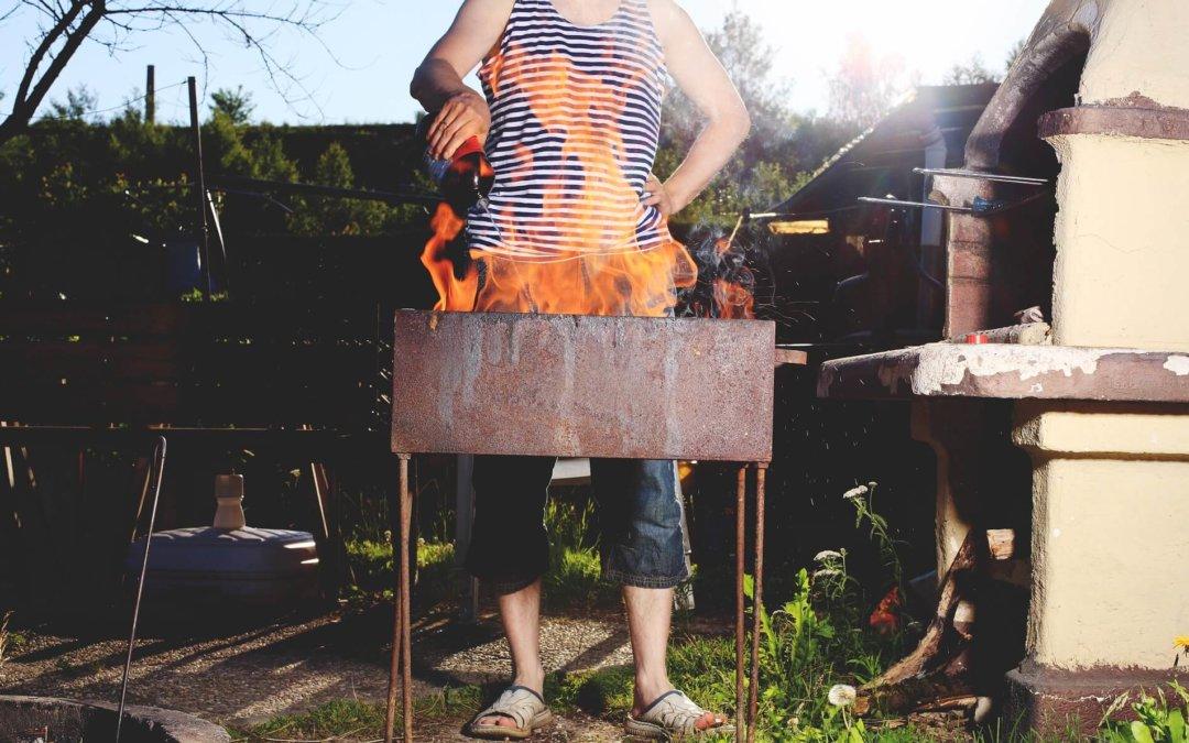 Grillvergnügen statt Familiendrama: Wie Sie Grill-Unfälle vermeiden